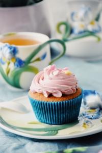 Vanilla Cupcakes with Swiss Meringue Buttercream